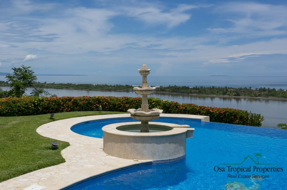 1/2 Acre - Amazing 5 Bedroom Villa With Excellent Access And Outstanding Ocean View!!!