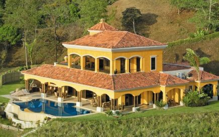 0.93 ACRES – 5 Bedroom Luxury Home With Front Row Ocean Views!!!