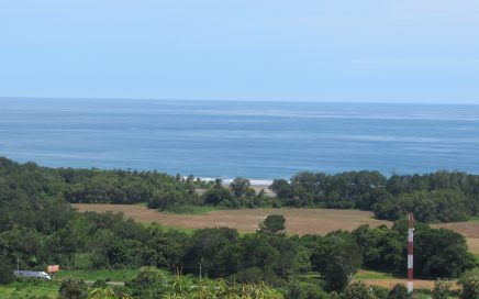 1.25 ACRES – 4 Bedroom, 2 Story Ocean View House Plus a Large Second Building Site!!!