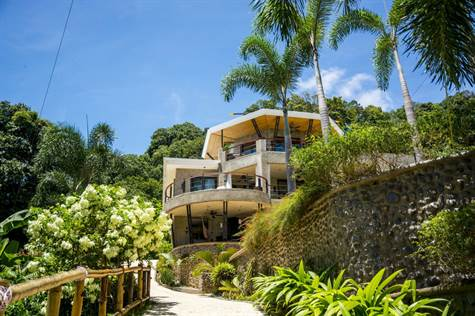 0.85 ACRES - 10 Bedroom Luxury Villas With Front Row Ocean Views!!