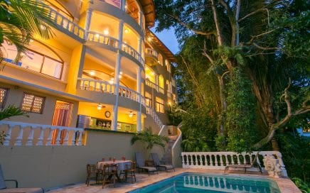 1/5 ACRE – 6 Bedroom Ocean View Home With Views Of Manuel Antonio Park!!!