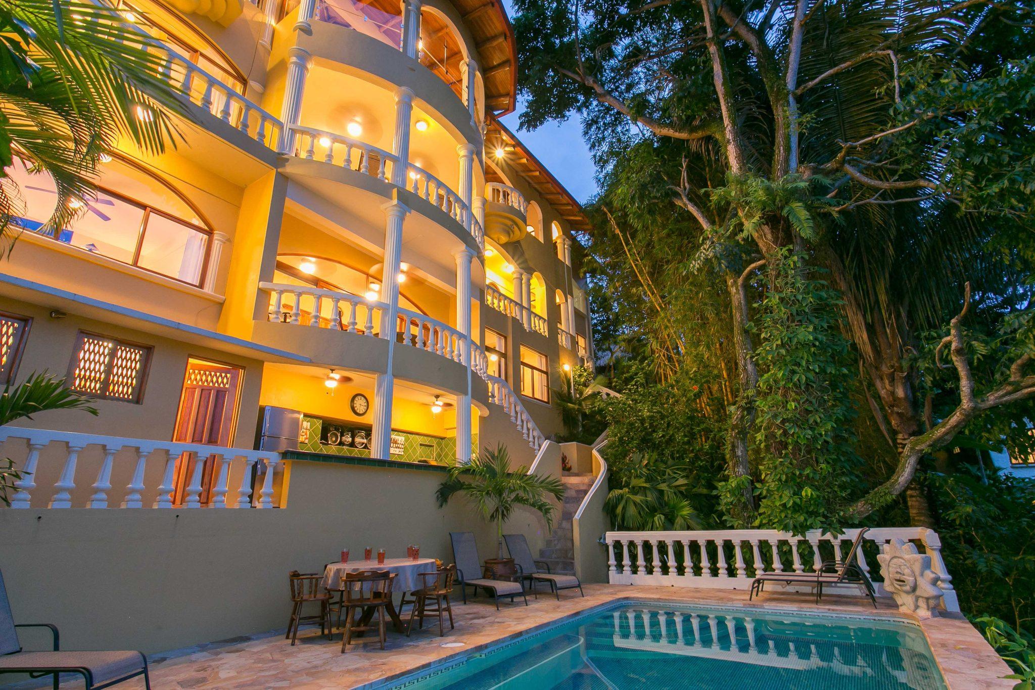1/5 ACRE – 6 Bedroom Ocean View Home With Views Of Manuel Antonio Park!!!
