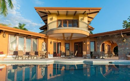 0.65 ACRES – 3 Bedroom Luxury Ocean View Home 2 Min From The Beach!!!