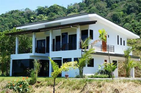Modern Home With Huge Ocean Views