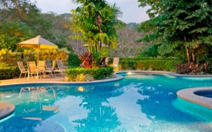 CONDO – 1 Bedroom Garden Level Unit In Los Suenos With Graet Rental Income!!!
