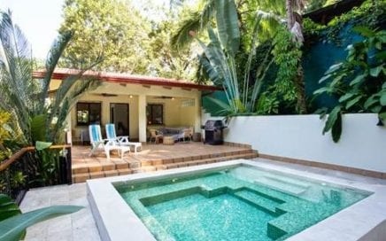 0.22 ACRES – 3 Bedroom Home With Pool In The Center Of Manuel Antonio!!