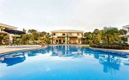 CONDO – 2 Bedroom Condo With Beautiful Pool Area Minutes From Quepos!!