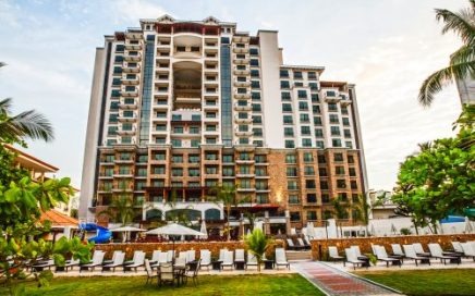 CONDO – Studio, 1 And 2 Bedroom Beachfront Condos In A Huge Ocean Views, Pool, Restaurants, And Casino!!!