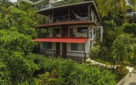 1/6 ACRE – 4 Bedrooms – 2 Bedroom Appt Plus Two 1 bedroom Appts With Huge Ocean Views!!!!