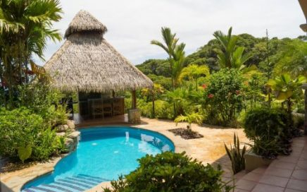 0.8 ACRES – 3 Bedroom Home With Pool, Great Access, And Amazing Ocean View!!