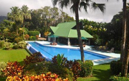 2.75 ACRES – 5 Bedroom Home Plus 1 Bedroom Guest House, Huge Pool, Amazing Ocean View, Room For Expa