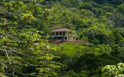 5.25 ACRES – 4 Bedroom Luxury Home With Amazing Ocean Views And Rolling Usable Land!!