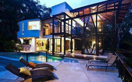 1/2 ACRE – 4 Bedroom High End Home Tucked Into Manuel Antonio Rainforest!!