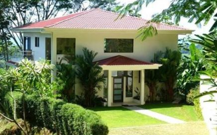 1.25 Acres – 3 Bedroom Ocean View Modern Home In High End Gated Community !!