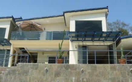 LUXURY CONDO – Elegant 3 Bedroom Villa With Amazing Ocean View And Infinity Pool!!