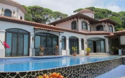 1/2 ACRE – 4 Bedroom Home w/ Pool, Huge Ocean View, And Amazing Access!!!
