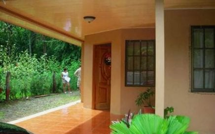 1/10 ACRE – 2 Bedroom Home In Uvita Walking Distance To Stores And The Beach!!!!!!