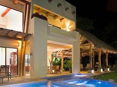 2.5 ACRES - 4 Bedroom Contemporary Home With Spectacular Ocean View And Pool!!!