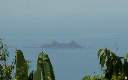 1 ACRE – Beautiful Ocean And Mountain View With Cool Breezes At A Great Price!!