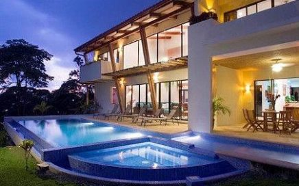 2.5 ACRES – 4 Bedroom Contemporary Home With Spectacular Ocean View And Pool!!!