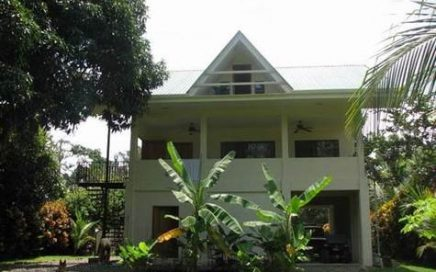 1/4 ACRE – 2 Bedroom, 3 Story Luxury Home On Quiet Street, 200 Meters From The Beach!!!!