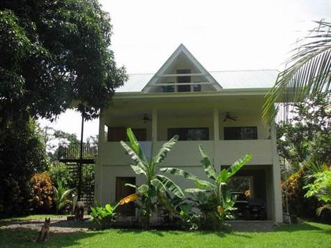 1/4 ACRE - 2 Bedroom, 3 Story Luxury Home On Quiet Street, 200 Meters From The Beach!!!!
