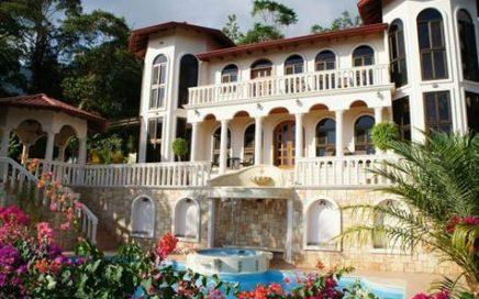 3.5 ACRES – 8 Bedroom Luxury Estate w/ Pool and Jacuzzi and Ocean View!!