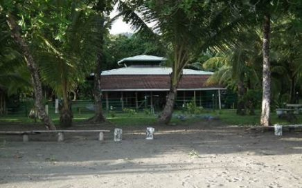 1/2 ACRE – 3 Bedroom Beachfront Home With Concession On Playa Matapalo!!!!