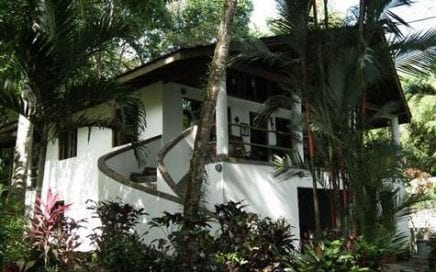 2 ACRES – 2 Bedroom Home Plus Two 1 Bedroom Villas w/ Amazing Access And Ocean View!!