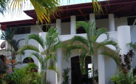10 ACRES – 4 Bedroom Sunset Ocean View Home With Pool On Private Acreage!!!