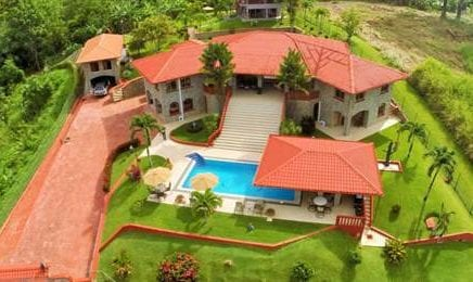 1.5 ACRES – 10 Bedroom Ocean View Luxury Estate With Pool And Guest Homes!!!