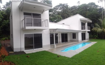 1 ACRE – 3 Bedroom Modern Home With Ocean View And Pool!!!