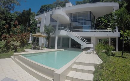 10 ACRES – 4 Bedroom Modern Contemporary Home, Ocean View, Guest Apartment, 2 Bedroom Caretaker Home!!