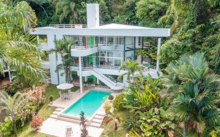 10 ACRES – 4 Bedroom Modern Contemporary Home, Ocean View, Guest Apartment, 2 Bedroom Caretaker Home!!