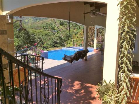 0.25 ACRES - 3 Bedroom Sunset Ocean View Home With Pool!!!