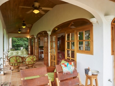 0.7 Acres - 2 Bedroom Ocean View Home With Pool In Lagunas!!!