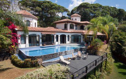 0.44 ACRES – 3 Bedroom Luxury Home Las Olas Gated Community Great Ocean Views!!