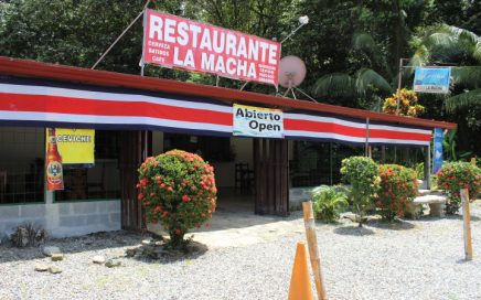 0.7 ACRES – Restaurant With Highway Frontage In Great Location!!!