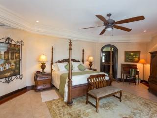 3 Bedroom Luxury Home Las Olas