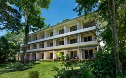 3.75 ACRES – 32 Room And 9 Villa Beachfront Hotel on Manuel Antonio Beach!!!
