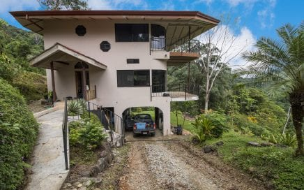 1.24 ACRES – Two Bedroom, Open Architecture, Spectacular Valley and Mountain View, Very Private, 15 Minutes From Dominical!!!