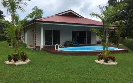 0.23 ACRES – 2 Bedroom Home With Pool With Central Uvita Location!!