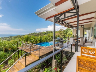 STUNNING LUXURY VILLA WITH WHITEWATER VIEWS WALKING DISTANCE TO BEACH!!!