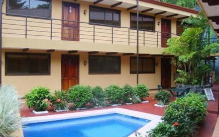 CONDO – 2 Bedroom Condo With Shared Pool At Amazing Price!!