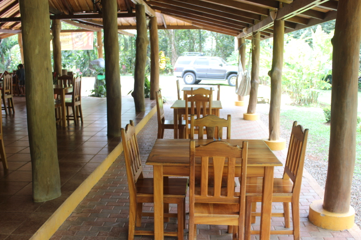 5.6 ACRES - 8 Room Hotel, Restaurant, Pool, 2 Cabins, Room To Expand!!! US$ 869,000