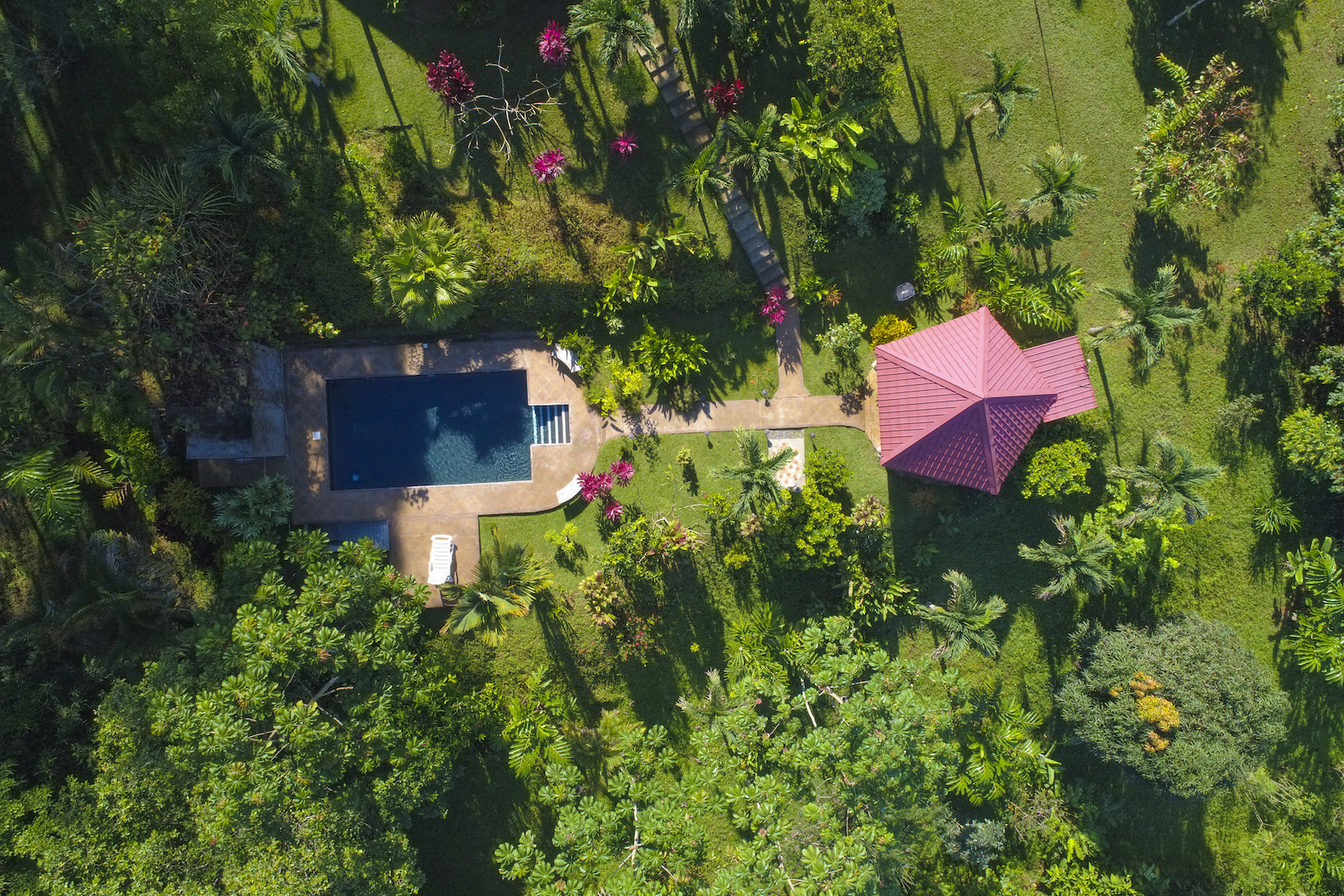 3.3 ACRES - 3 Bedroom Mountain View Home With Pool And River Access!!!