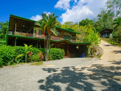 3.8 ACRES - 4 Bedroom Ocean View Home Plus Pool And Gust Cabin!!!!