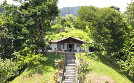1 ACRE – 2 Bedroom Home With Pool And Incredible Ocean View At Very Affordable Price!!!