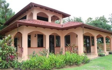 19.7 ACRES – 3 Bedroom Ocean View Home With Pool Plus Horse Stables And Pasture!!