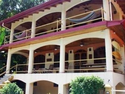 BEACHFRONT 2 BEDROOM HOME w/1 BEDR. GUEST HOUSE & HUGE POOL!!!